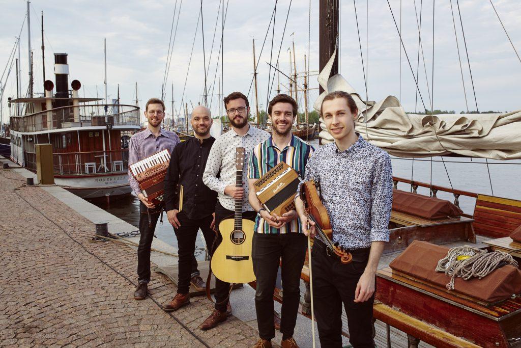 Helsinki Ceilidh Band satamassa